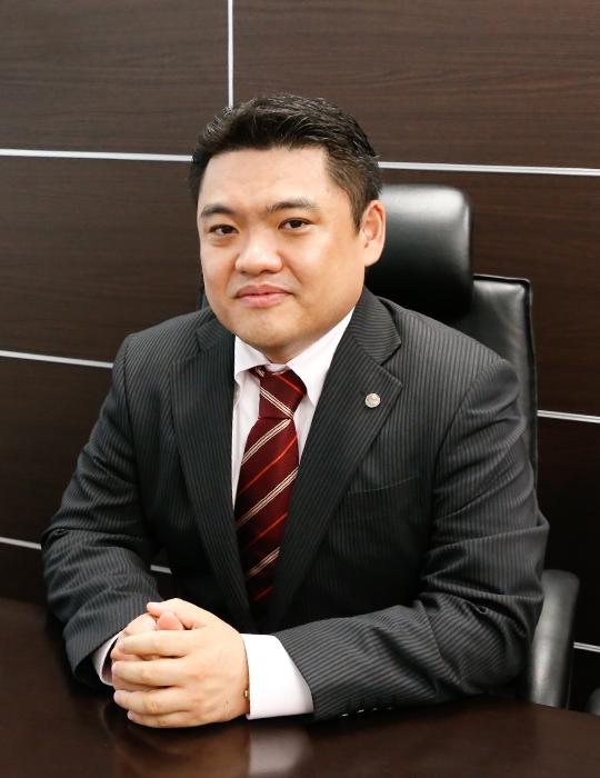 蔵田経営会計事務所 代表税理士 藏田陽一 様
